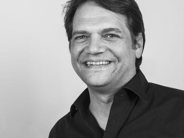 Portraitbild von Hans-Jörg Schäuble